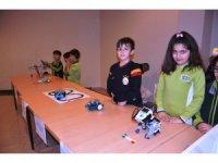 Öğrencilerin yaptığı robotlar büyük ilgi gördü