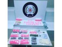 3 kişinin tutuklandığı operasyonun ardından çok sayıda uyuşturucu hap ele geçirildi