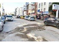 13 km asfalt yolu tahrip edilen belediye, kurumları uyardı