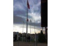 Bayrak direkleri ve meydan saatlerine bakım