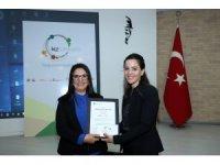 'Kız Kardeşim' eğitimlerine katılan kadınlar sertifikalarını aldı