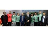 Sultanbeyli Belediyespor'da toplu imza töreni