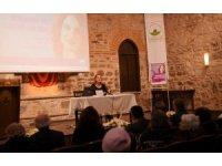 Doç. Dr. Kumrular, sarayın iki valide sultanını anlattı