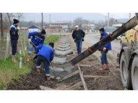 Başiskele'de cadde ve sokaklarda kanal suyu çalışmalarına başlandı