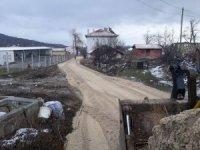 İnönü'de yol çalışmaları devam ediyor