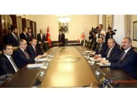 AK Parti ile MHP arasındaki ittifak görüşmeleri başladı