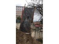 Isparta'da KYK inşaatından demir hırsızlığına suçüstü
