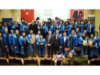 50 yaşından sonra kep atıp mezun oldular