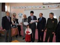 Erdemli'de 31 bin 702 öğrenci karne sevinci yaşadı