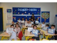 Gaziantep Kolej Vakfı'nda karne coşkusu