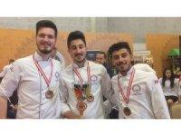 Devrek MYO aşçılık öğrencileri Türkiye üçüncüsü oldular