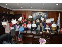 Başkan Demirtaş'tan öğrencilere karne hediyesi