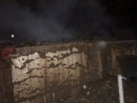 Madde bağımlıları evi yaktı
