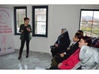 """""""Kocaeli Kadın Sağlığı Projesi""""nin ilk köy eğitimi Kartepe'de verildi"""
