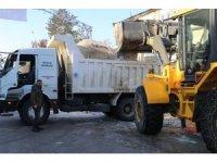 Varto'da karlar ilçe dışına taşınıyor