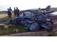 Sakarya'da kamyon ile otomobil çarpıştı: 1 ölü 2 yaralı