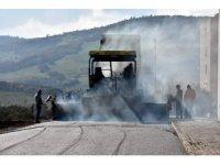 Aliağa Belediyesinden 450 bin metrekarelik sıcak asfalt