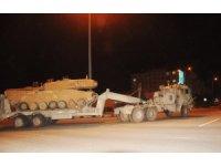 Türk tankları Suriye'ye geçiyor