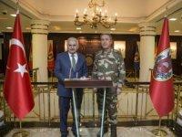 Başbakan Yıldırım, Genelkurmay Başkanı Orgeneral Akar'dan bilgi alıyor