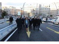 Yıkılıp yeniden yapılan Kemal Köker Köprüsü, yeni ismiyle trafiğe açıldı