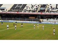 Aydınspor 1923'lü futbolcular sahada donup kaldı