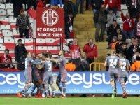 Süper Lig: Antalyaspor: 1 - Beşiktaş: 2 (Maç sonucu)