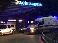 14 bıçak darbesi alan genç ağır yaralandı