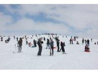 Bingöl'de geç de olsa kayak sezonu açıldı