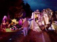 Kontrolden çıkan yolcu otobüsü devrildi: 24 yaralı
