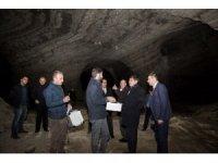 Rektör Alma, tuz mağarasını inceledi