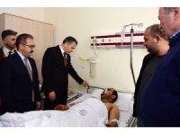 Vali Yerlikaya, Kilis'e düşen roketle yaralanan Mustafa Kara'yı ziyaret etti