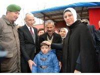 AK Parti Genel Başkan Yardımcısı Ravza Kavakcı Kan'dan şehit evine ziyaret