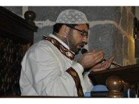 Diyarbakır'da camilerde Fetih Suresi okunup, dualar edildi