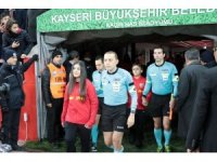 Süper Lig: Kayserispor: 0 - Galatasaray: 2 (Maç devam ediyor)