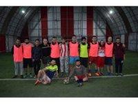Polis ile gençlik grubu arasında futbol maçı