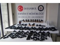 İstanbul'da silah kaçakçılarına operasyon: 182 tabanca ele geçirildi