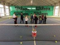 6 kategoride kort tenisi heyecanı