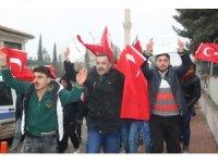 Suriyeli mülteciler Afrin'de savaşmak için askerlik şubesine başvurdu
