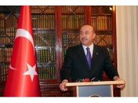 """Bakan Çavuşoğlu: """"Türkiye'yi tehdit edecek adımlardan herkesin uzak durması lazım"""""""
