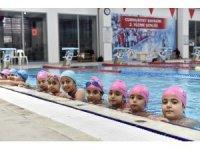 Başarılı öğrencilere ücretsiz yüzme kursu