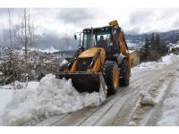 Toroslar'da karla mücadele çalışması