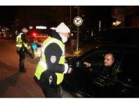 Trafik polislerinden gece denetimi