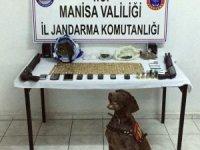 Manisa'da uyuşturucu tacirleri kıskıvrak yakalandı