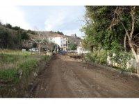 Başiskele'de eski yollar yeniden elden geçiriliyor