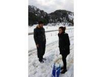 Alanya'da karda araçlarıyla mahsur kalan gençler kurtarıldı