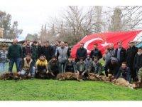 Köylüler Mehmetçik için kurbanlar kesti