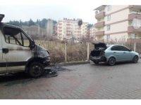 Bingöl'de iki araç yandı