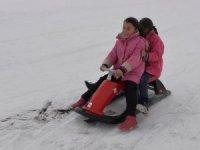 'Beyaz kent'in çocukları için kayak tesisi kuruldu