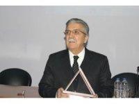 ERÜ İlahiyatta emeklilik töreni Prof. Dr. Veli Kayhan emekli oldu