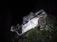 Tarladan dönen aileyi taşıyan minibüs uçuruma yuvarlandı: 3 ölü, 3 yaralı